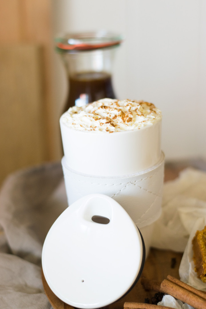 ©Nummer Fünfzehn_Galeria Kaufhof_Pumpkin Spiced Latte_Coffee-To-Go-Becher-Cafe Club Villeroy&Boch