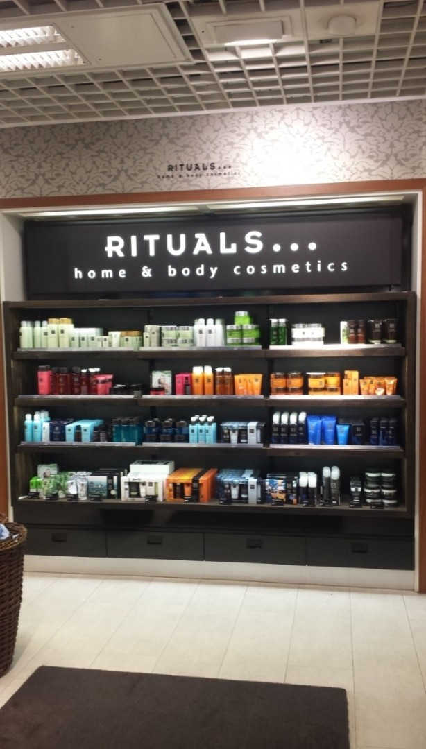Rituals Stand