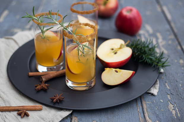 Apfel-Bourbon-Drink
